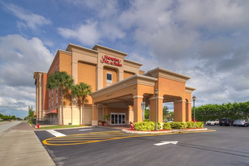 Hampton Inn & Suites – Cape Coral/Fort Myers Area, FL
