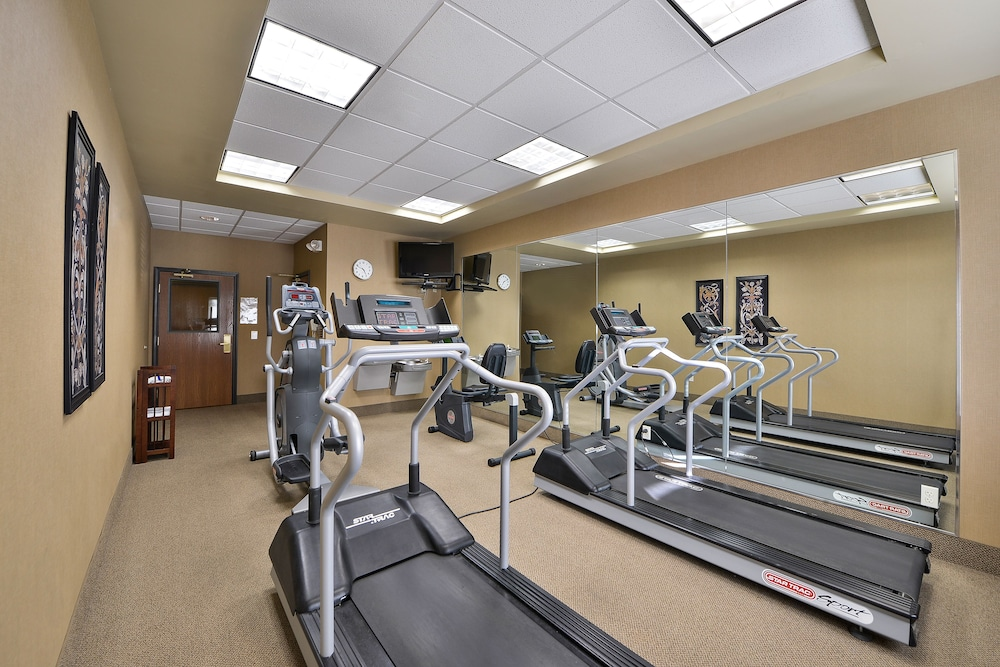 Fitness Facility, Lakeshore Hotel and Suites