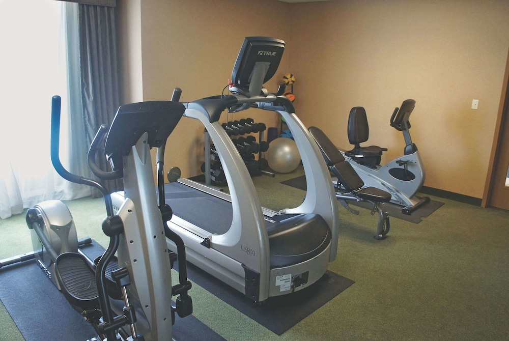 Fitness Facility, La Quinta Inn & Suites by Wyndham Springfield Airport Plaza
