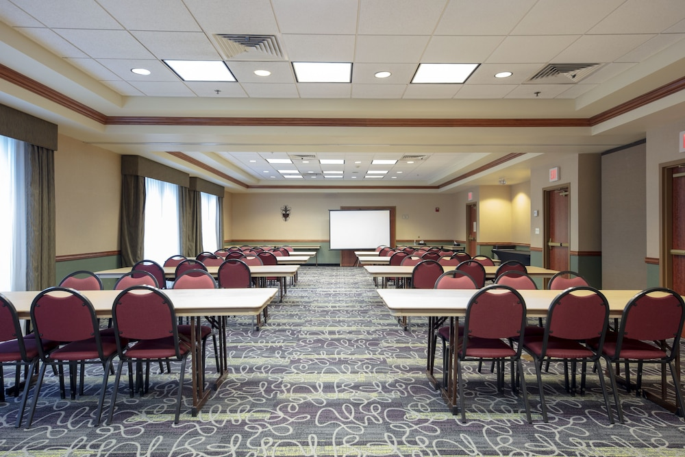 Meeting Facility, La Quinta Inn & Suites by Wyndham Springfield Airport Plaza