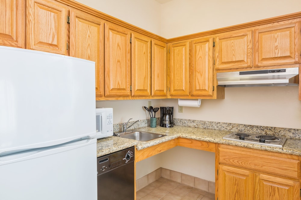 Private Kitchen, Staybridge Suites Brownsville, an IHG Hotel