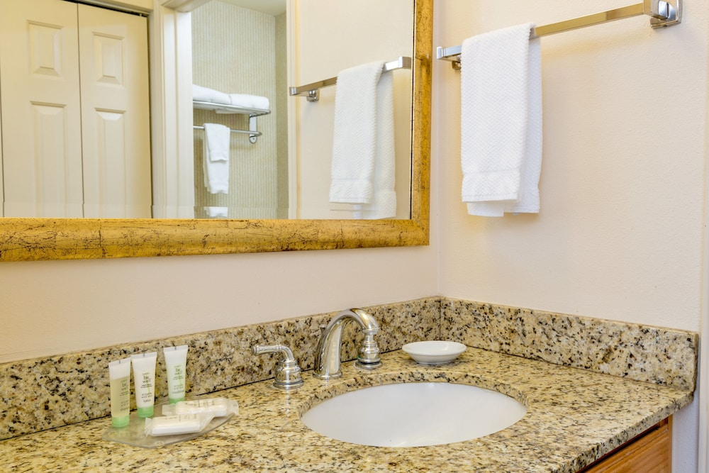 Bathroom, Staybridge Suites Brownsville, an IHG Hotel