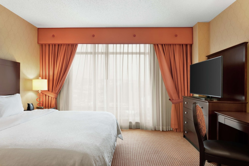 Room, Embassy Suites by Hilton Huntsville Hotel & Spa