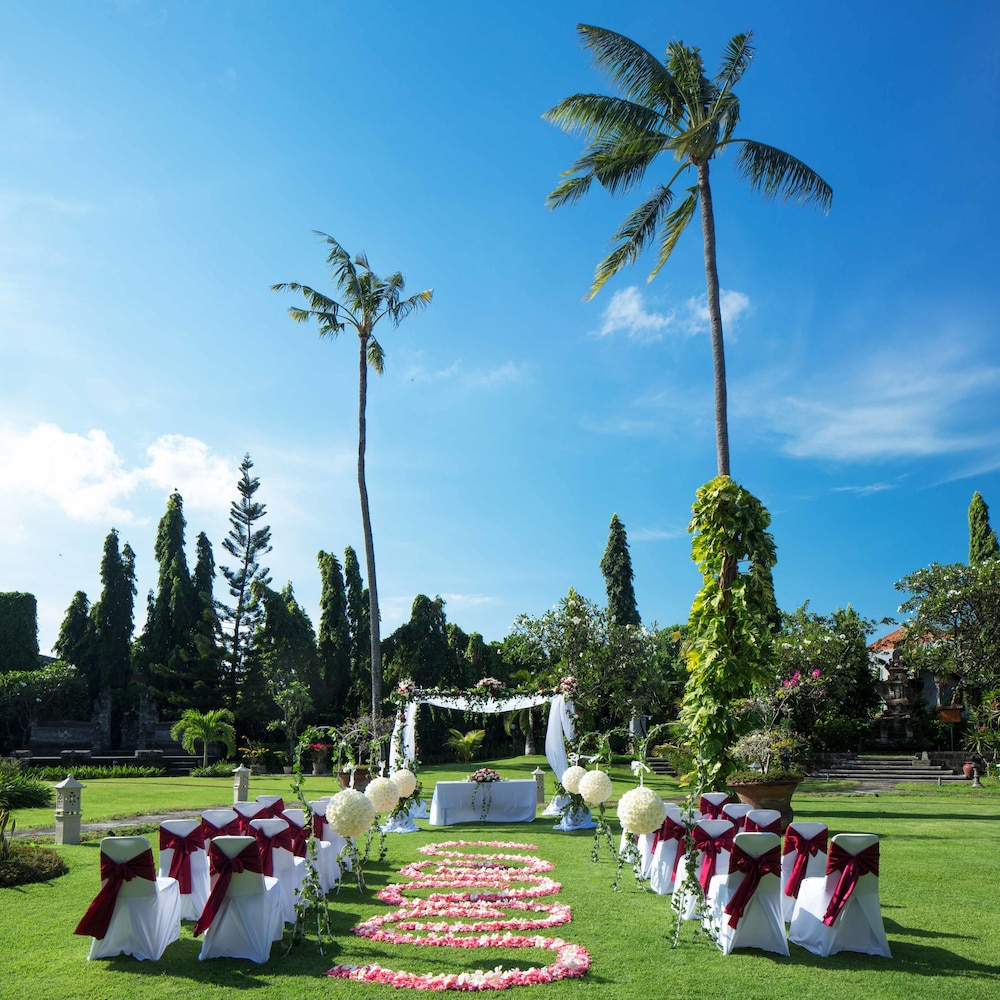 Outdoor Wedding Area, White Rose Kuta Resort, Villas & Spa