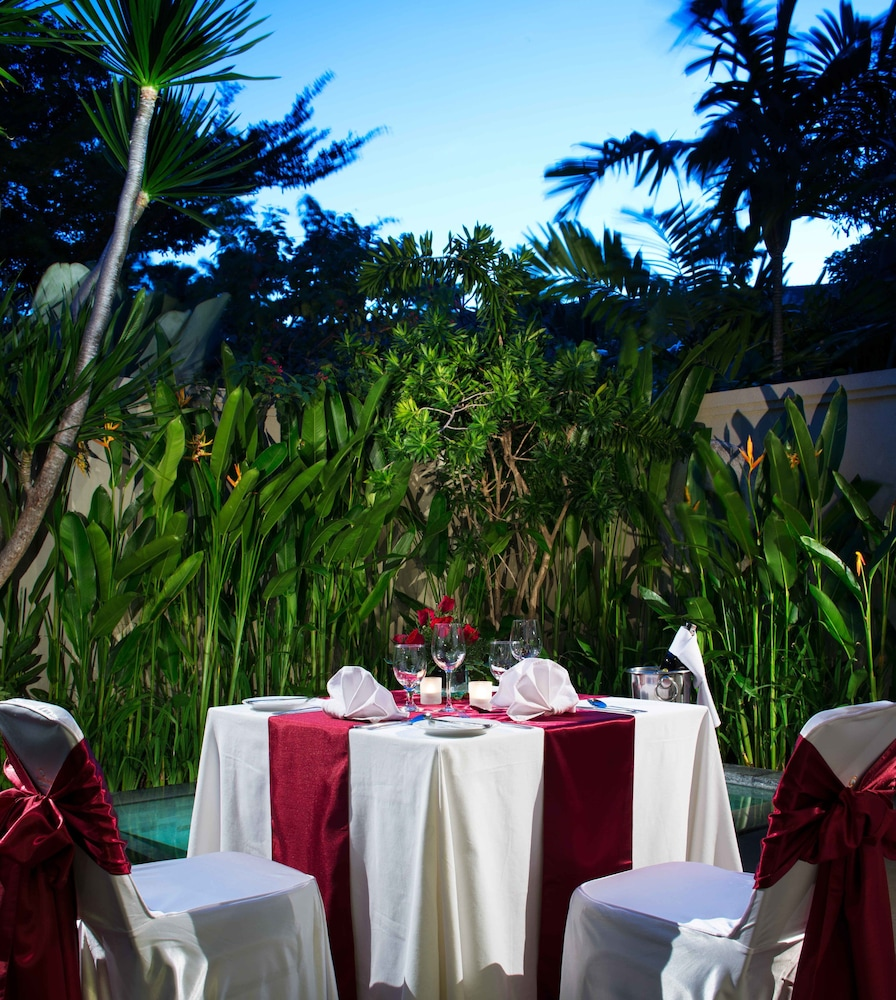 Couples Dining, White Rose Kuta Resort, Villas & Spa