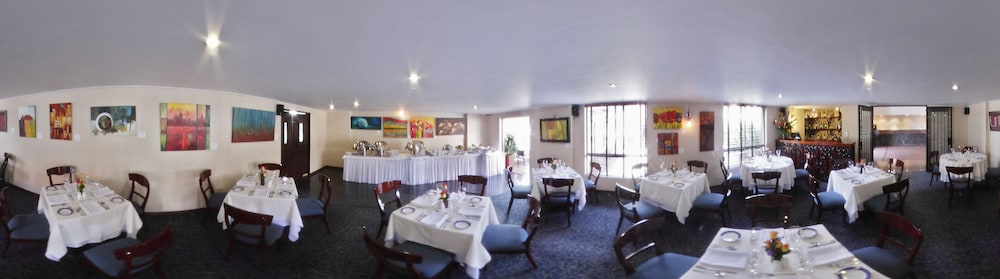 Restaurant, Hotel Estelar Suites Jones