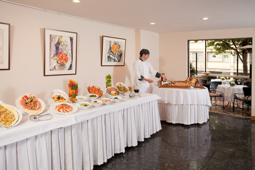 Buffet, Hotel Estelar Suites Jones