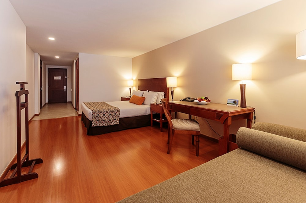 Room, Hotel Estelar Suites Jones