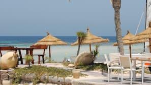 Plage privée, sable blanc, serviettes de plage, ski nautique