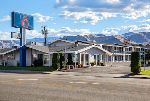 Check Expedia for Availability of Motel 6 Wenatchee WA