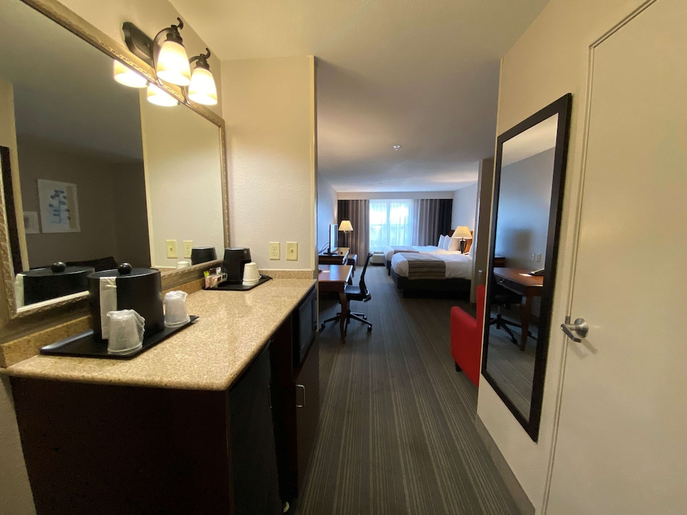 Room, Country Inn & Suites by Radisson, Athens, GA
