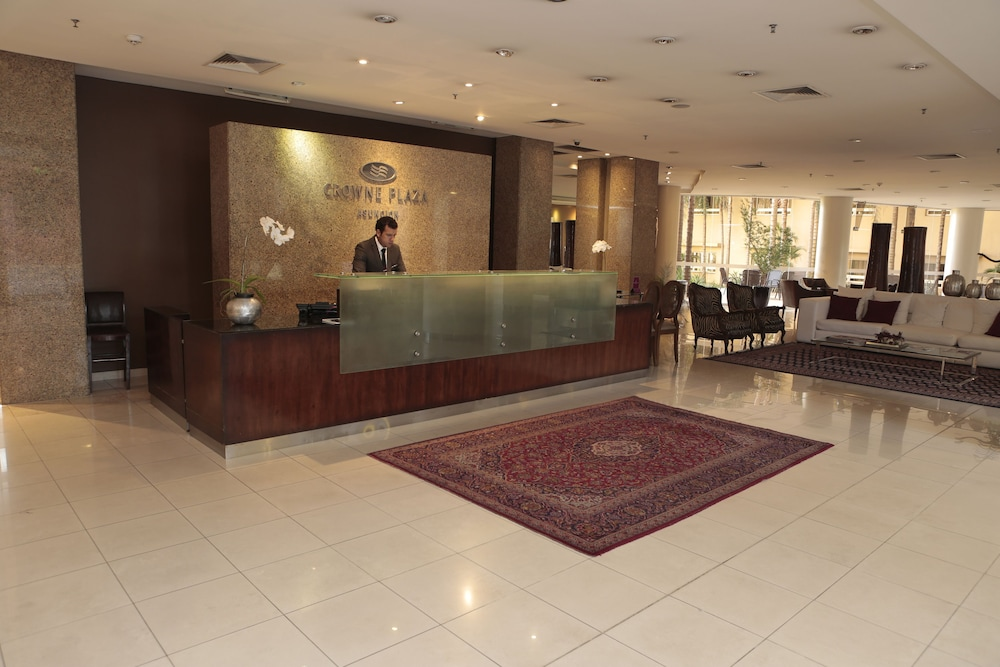 Lobby, Crowne Plaza Asuncion