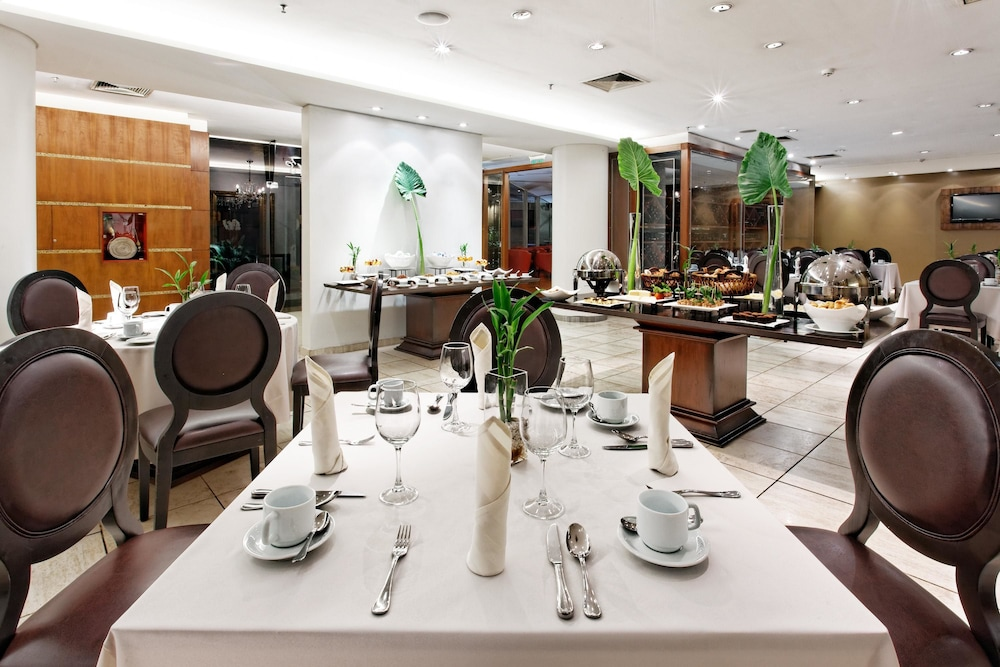 Restaurant, Crowne Plaza Asuncion