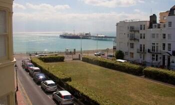 New Steine, Brighton & Hove, BN2 1PD, England.
