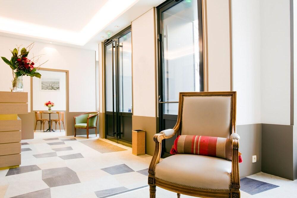 Hotel Paris Rue De La Gaite