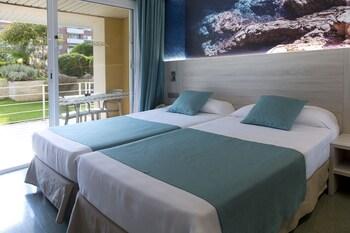 Hotel Ght Oasis Park Spa Lloret De Mar Room Prices Reviews