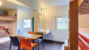 Schreibtisch, schallisolierte Zimmer, kostenloses WLAN