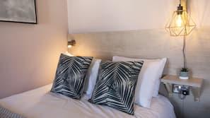 In-room safe, bed sheets