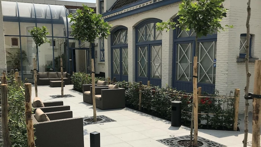 Golden Tree Hotel