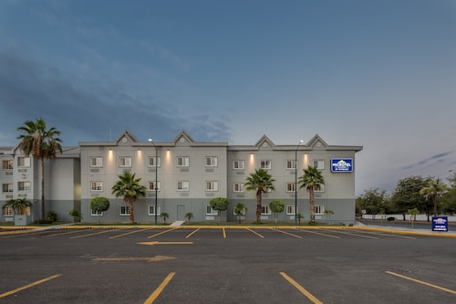 Microtel Inn & Suites by Wyndham Culiacan