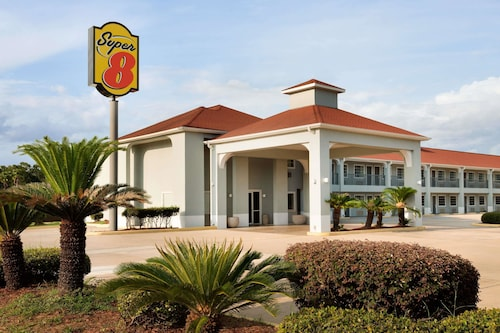 Great Place to stay Super 8 by Wyndham Lake Charles Northeast near Lake Charles