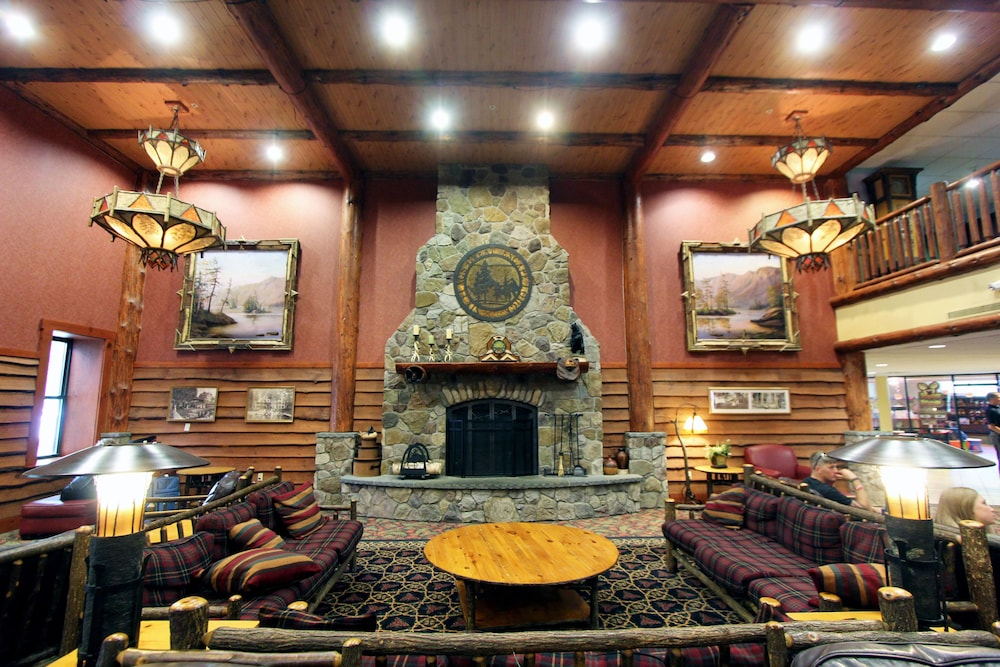 Lobby Sitting Area, Six Flags Lodge & Indoor Waterpark