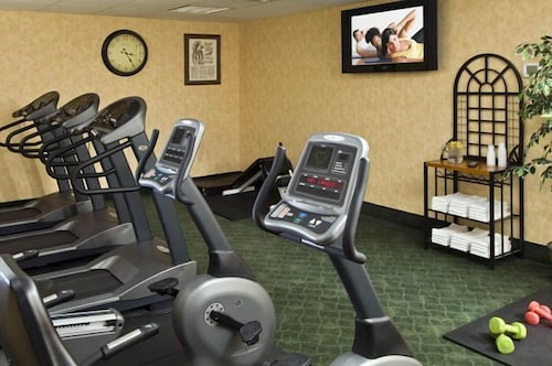 Gym, Six Flags Lodge & Indoor Waterpark