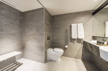 Premium Accessible Room - Bathroom