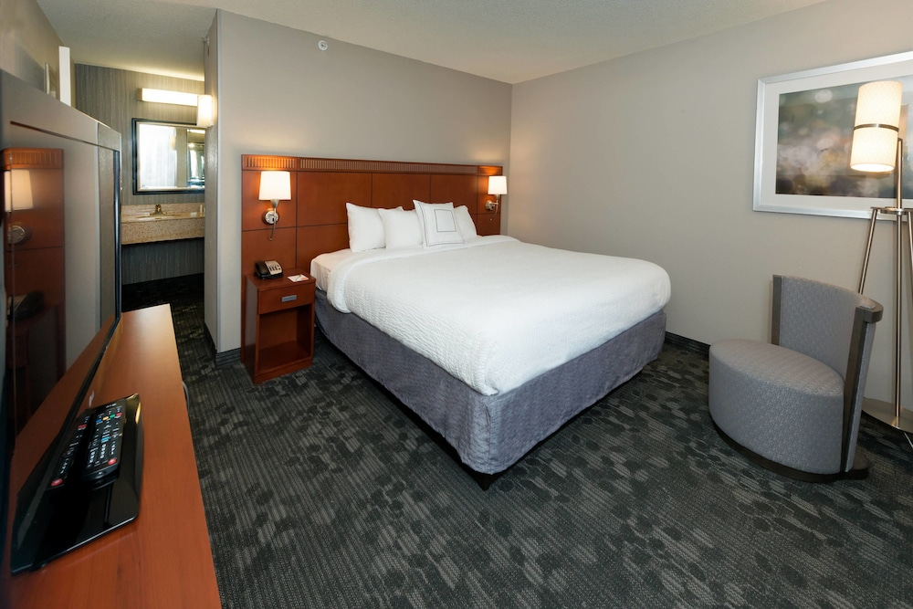 Room, Courtyard by Marriott Panama City