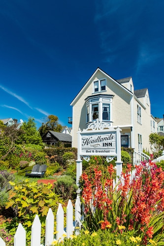 Headlands Inn Bed & Breakfast
