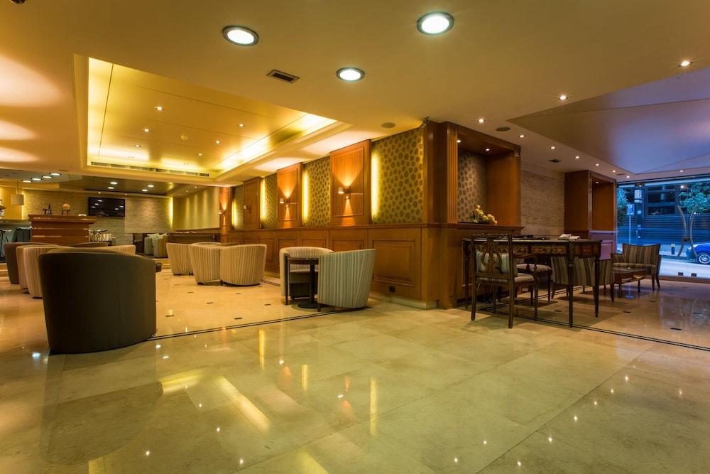 Image De Lhotel Entree Interieure