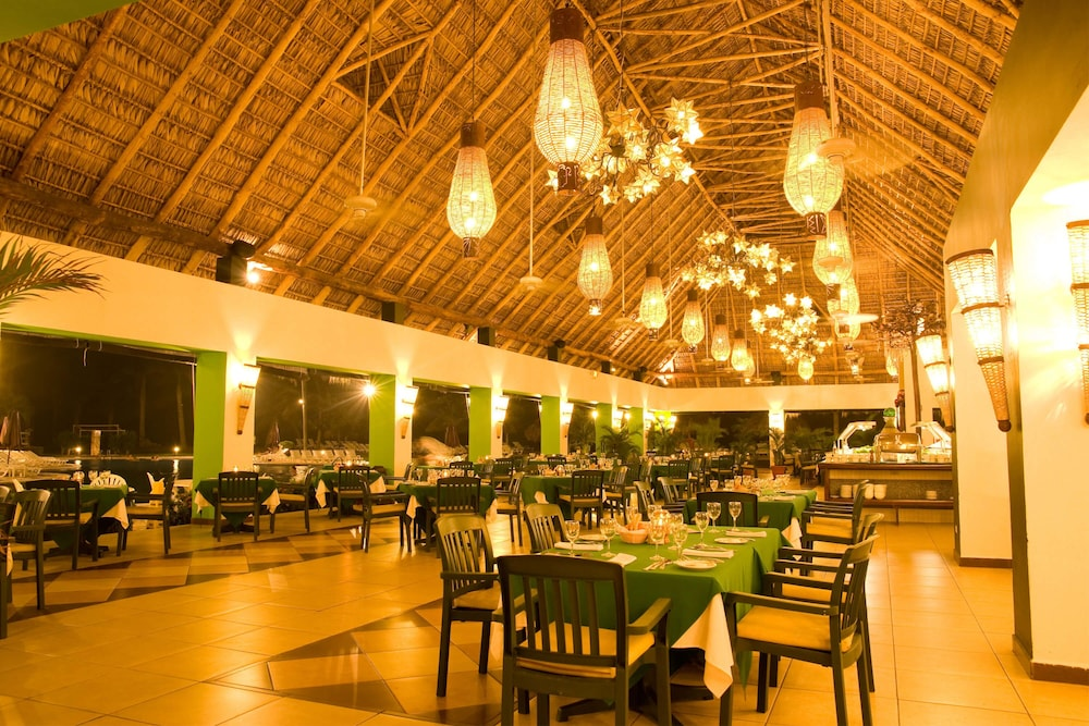 Restaurant, Royal Decameron Salinitas - All Inclusive