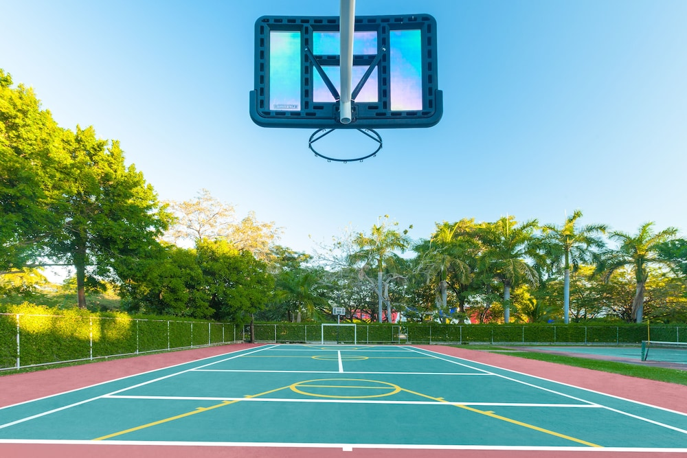 Basketball Court, Royal Decameron Salinitas - All Inclusive