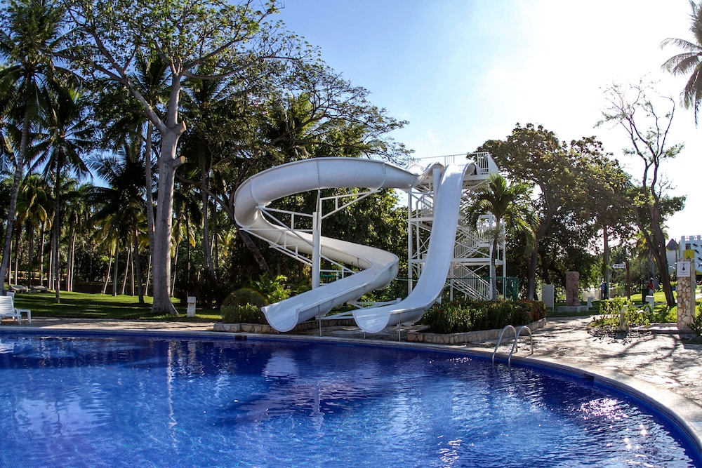 Waterslide, Royal Decameron Salinitas - All Inclusive