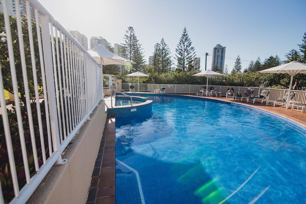 Xanadu Main Beach Resort Room Prices Deals Reviews Expedia - Incredible swimming pool cost 2000000