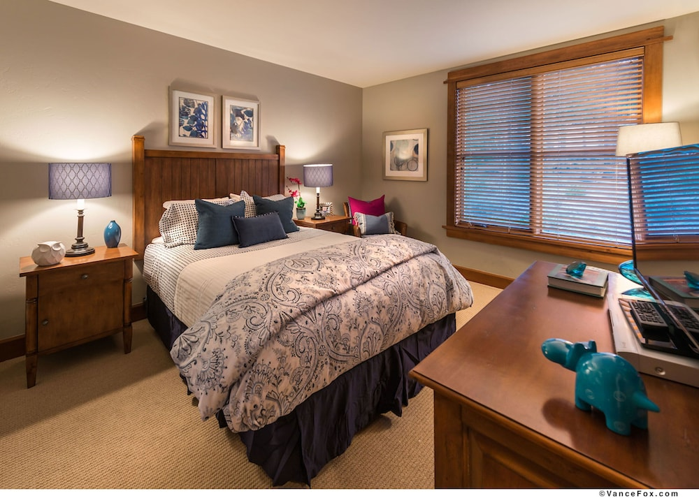 Featured Image, Tahoe Mountain Lodging