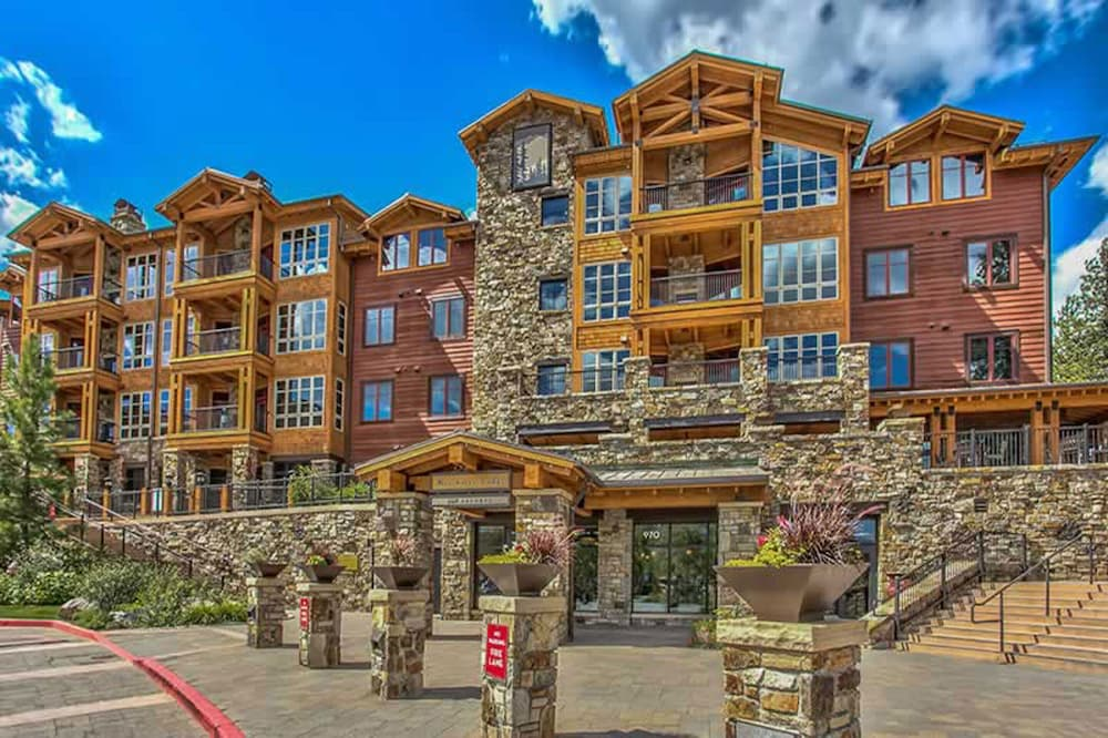 Exterior, Tahoe Mountain Lodging