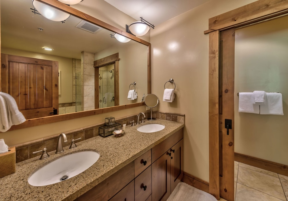 Bathroom Sink, Tahoe Mountain Lodging