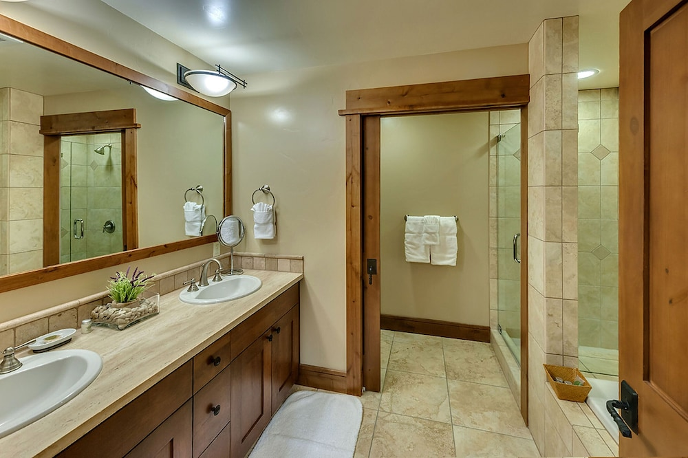 Bathroom Shower, Tahoe Mountain Lodging