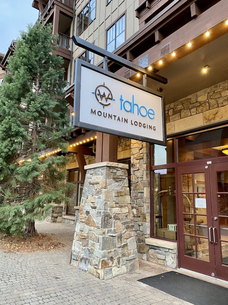 Property Entrance, Tahoe Mountain Lodging