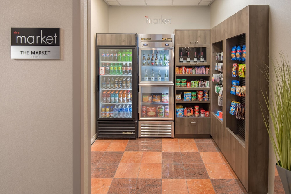 Gift Shop, Residence Inn by Marriott Portland North