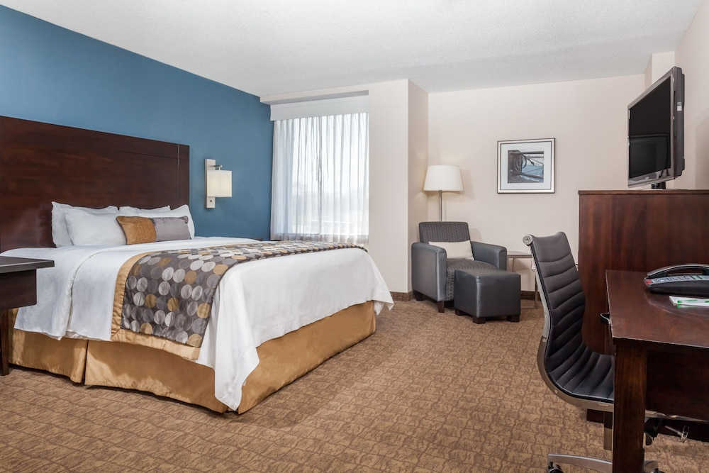 Wyndham Garden Niagara Falls Fallsview Reviews Photos Rates