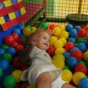 어린이 놀이 공간 – 실내