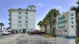 Beach Quarters Resort Daytona - Daytona Beach Shores Hotels