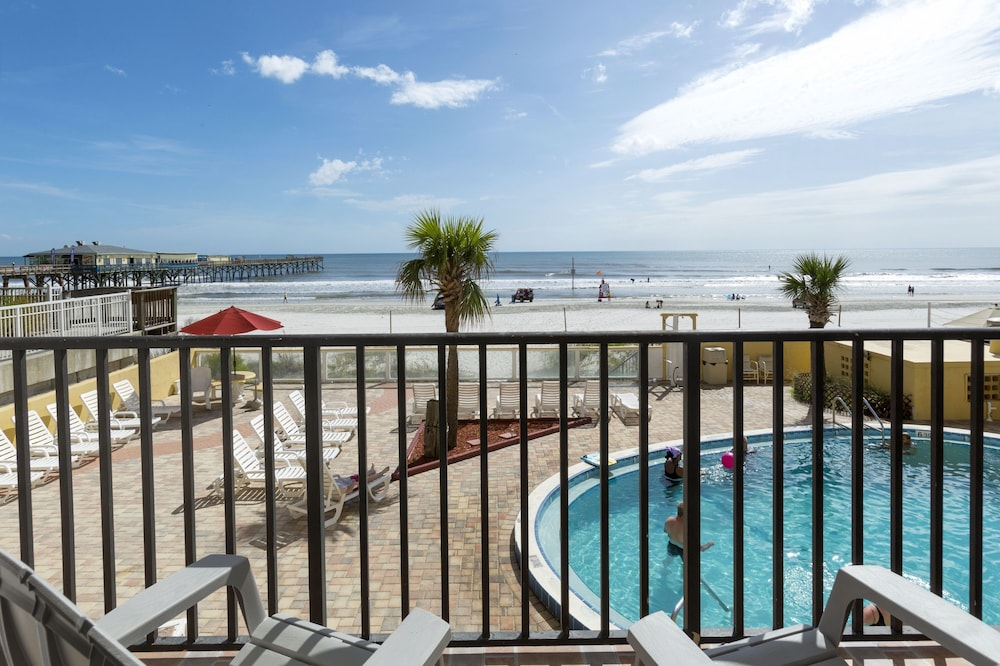 Beach Quarters Resort Daytona Hotel