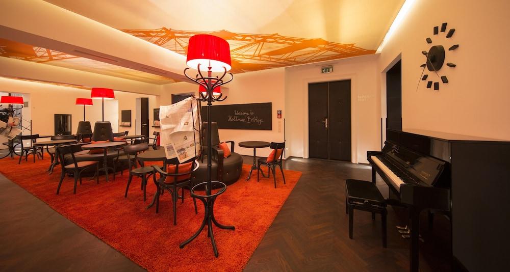 Hollmann beletage design boutique hotel deals reviews for Design hotel boutique vienna