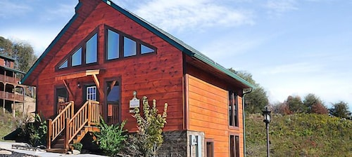 Dollywood Cabins in Gatlinburg - Pigeon Forge, TN   Expedia