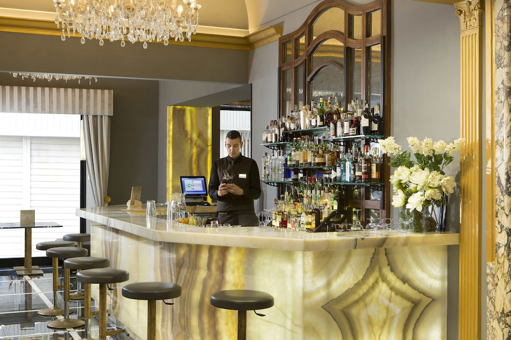 Welcome piram hotel 2017 room prices deals reviews for Hotel design rome