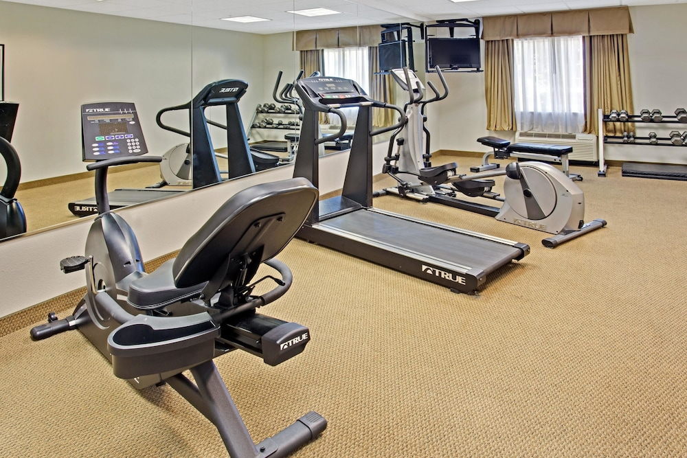 Fitness Facility, Days Inn & Suites by Wyndham Laurel Near Fort Meade