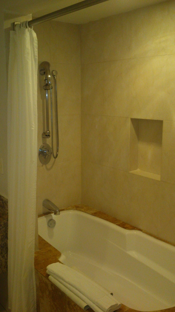 Bathroom Shower, Blue Bay Grand Esmeralda All Inclusive